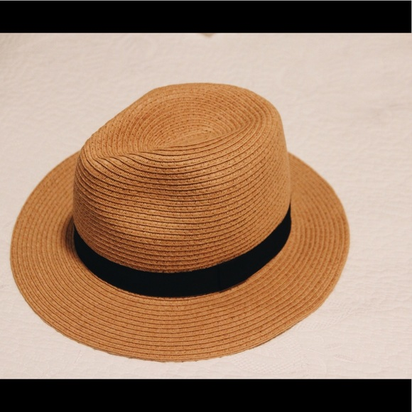 Forever 21 Accessories - Cute Straw Fedora Hat
